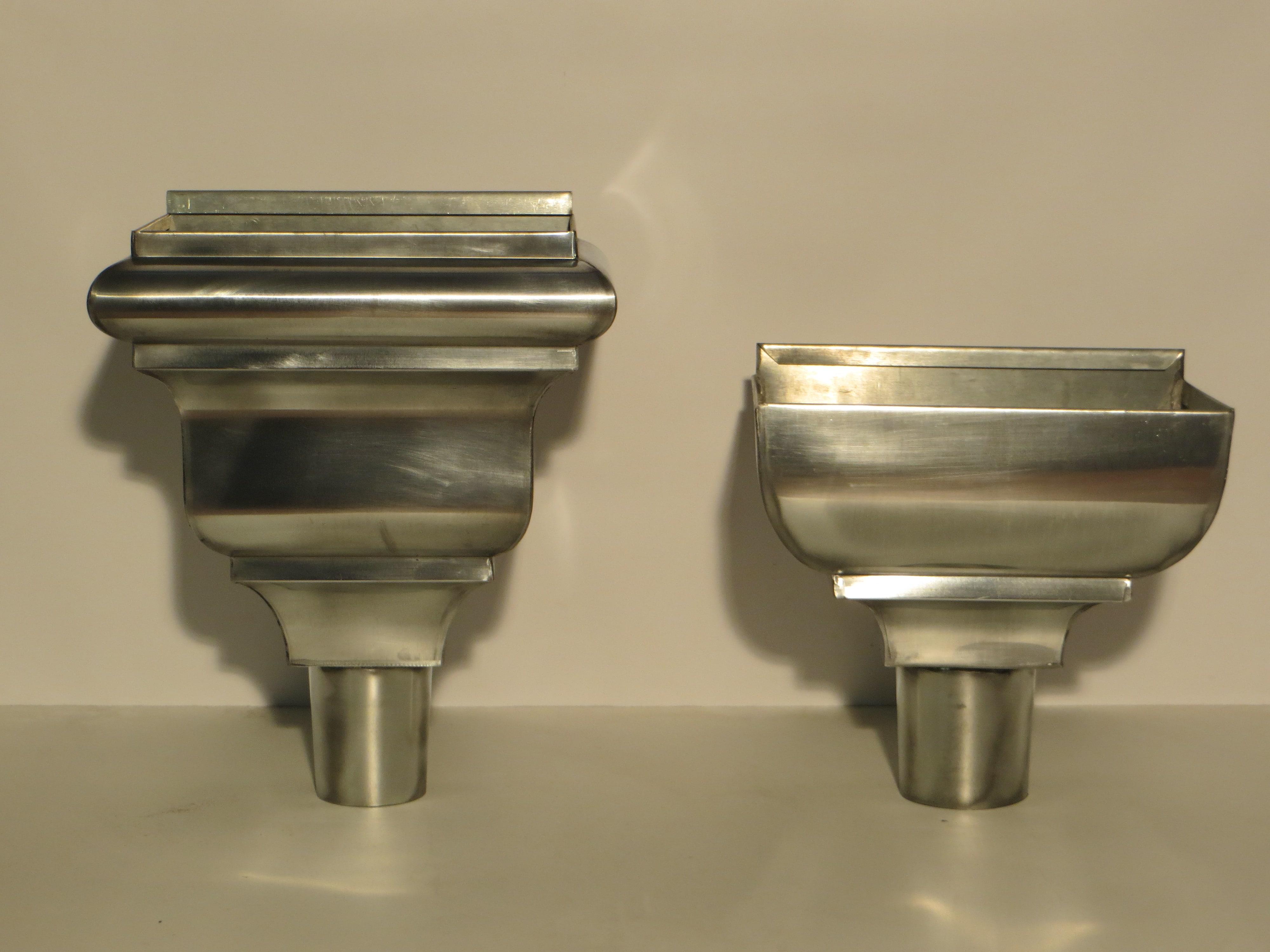 Cuvettes spéciales moulurées en Zinc naturel, toutes les deux de diamètre 100mm.